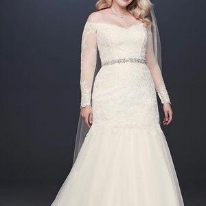 David's Bridal Wedding Dress Size 18